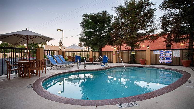 Best Western Plus Fresno Inn-Outdoor Pool<br/>Image from Leonardo