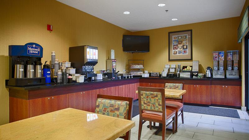 Best Western Plus Fresno Inn-Breakfast Area<br/>Image from Leonardo