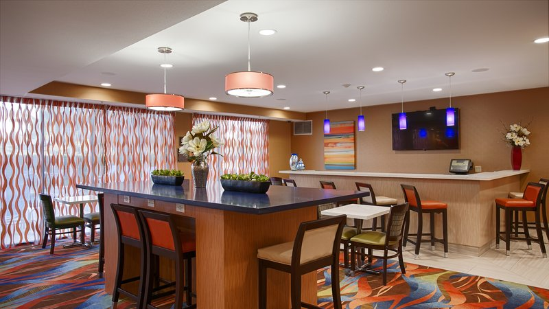 Best Western Plus Fresno Airport Hotel-Dining room<br/>Image from Leonardo