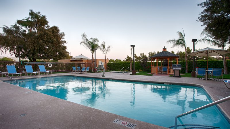 Best Western Plus Fresno Airport Hotel-Pool<br/>Image from Leonardo