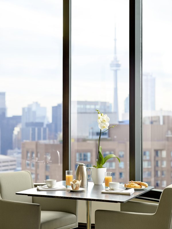 Chelsea Hotel Toronto-Club Lounge<br/>Image from Leonardo