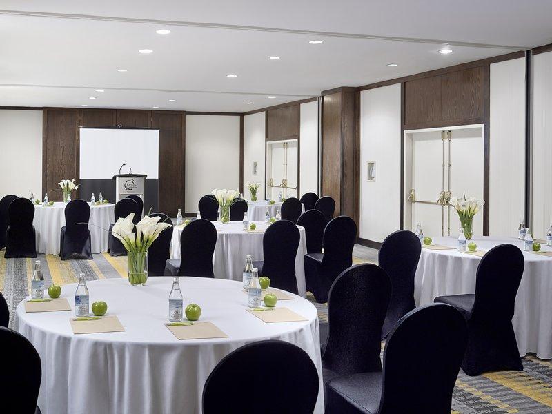 Chelsea Hotel Toronto-Wren Meeting Room<br/>Image from Leonardo