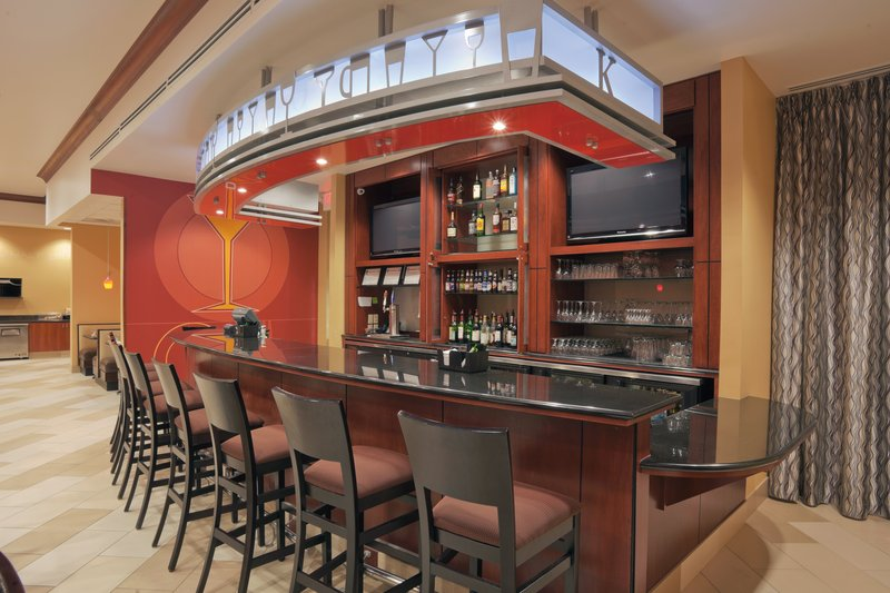 Holiday Inn Hotel & Suites Lima-Bar and Lounge<br/>Image from Leonardo