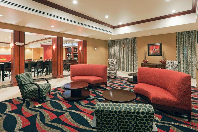 Holiday Inn Hotel & Suites Lima-Lobby Lounge<br/>Image from Leonardo