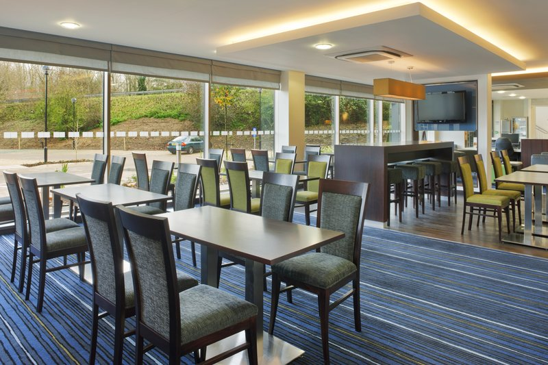 Holiday Inn Express Cambridge - Duxford M11, Jct.10-Breakfast Room<br/>Image from Leonardo