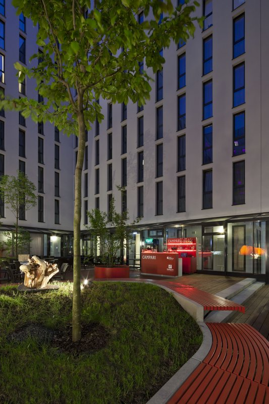 Holiday Inn Berlin Centre Alexanderplatz-Guest Patio<br/>Image from Leonardo