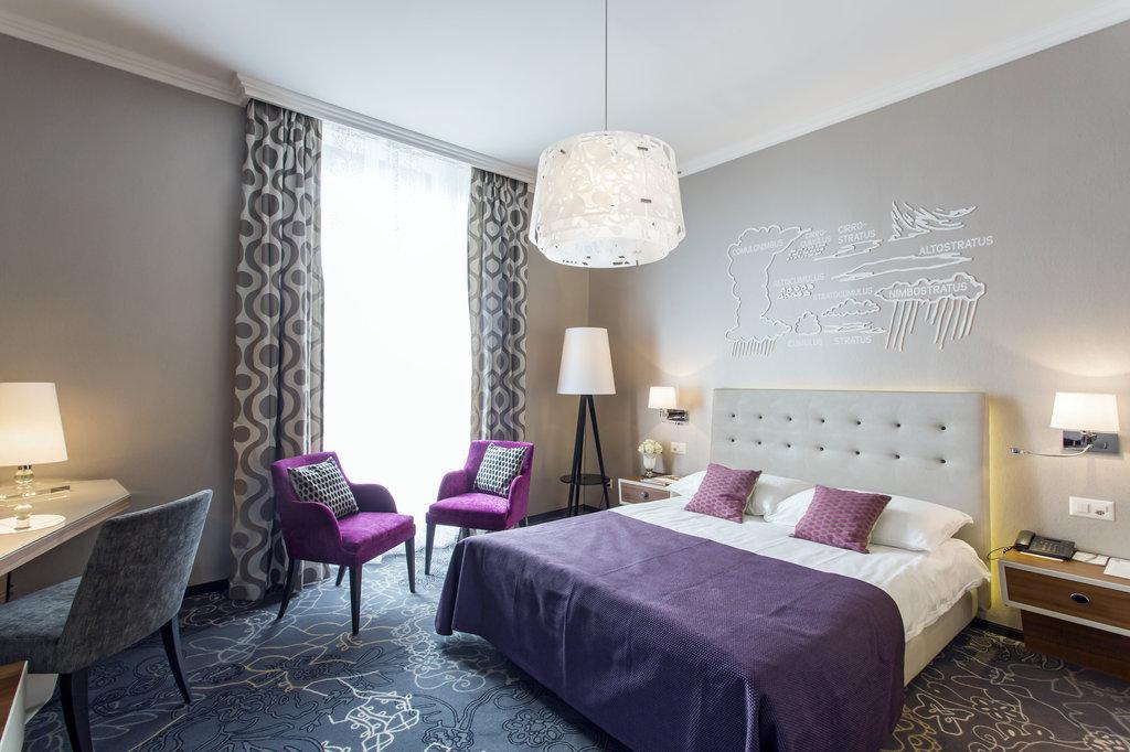 Hotel Schweizerhof Luzern-Standard Room<br/>Image from Leonardo