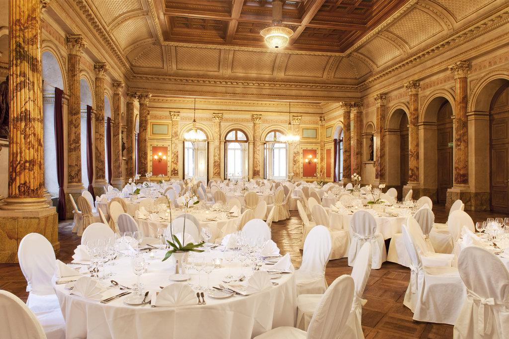 Hotel Schweizerhof Luzern-Conference Zeugheer Hall<br/>Image from Leonardo