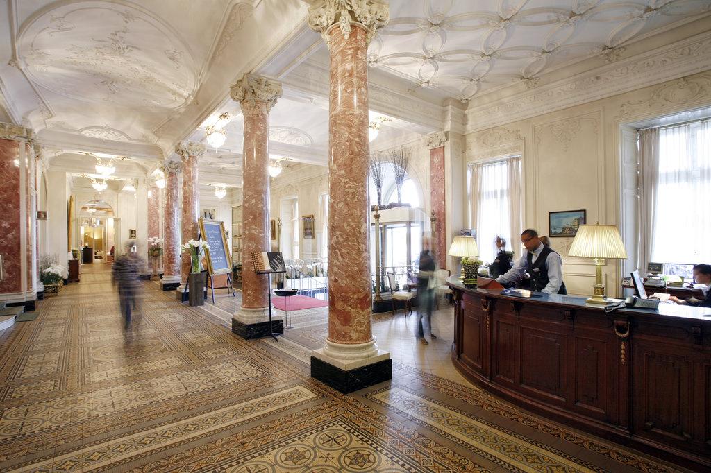 Hotel Schweizerhof Luzern-Hotel Lobby<br/>Image from Leonardo