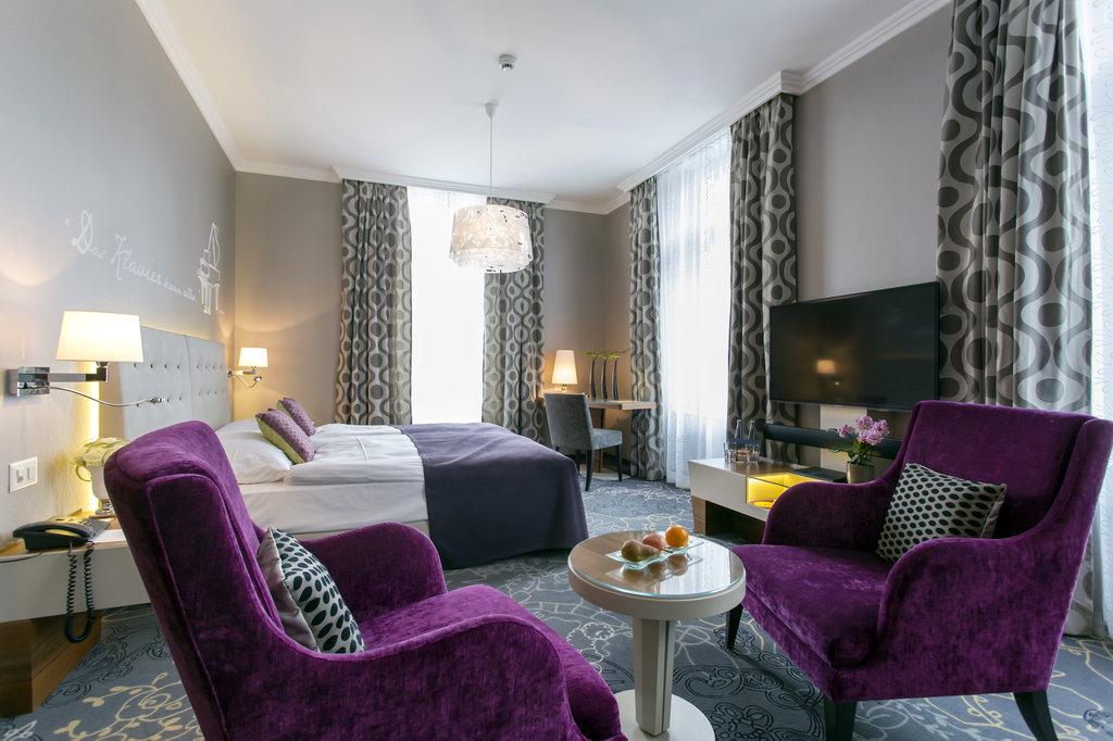 Hotel Schweizerhof Luzern-Superior Double Room City<br/>Image from Leonardo