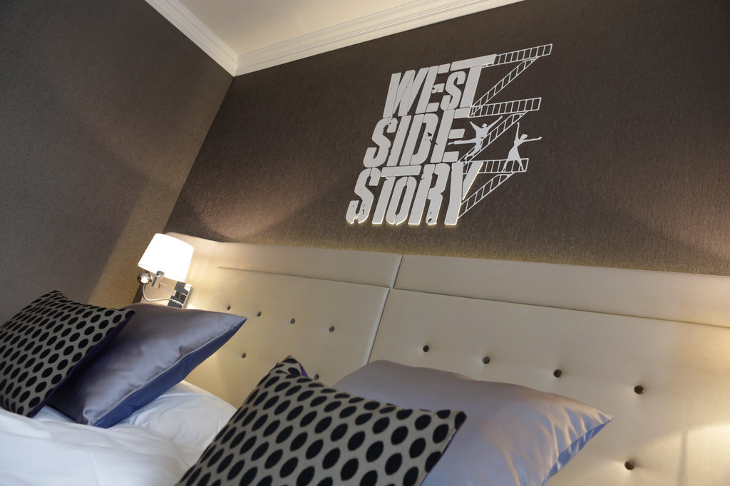 Hotel Schweizerhof Luzern-Guestroom  Wall Details<br/>Image from Leonardo