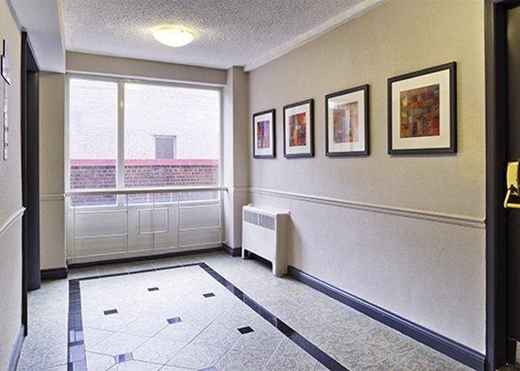 Comfort Hotel Downtown Toronto-interior<br/>Image from Leonardo