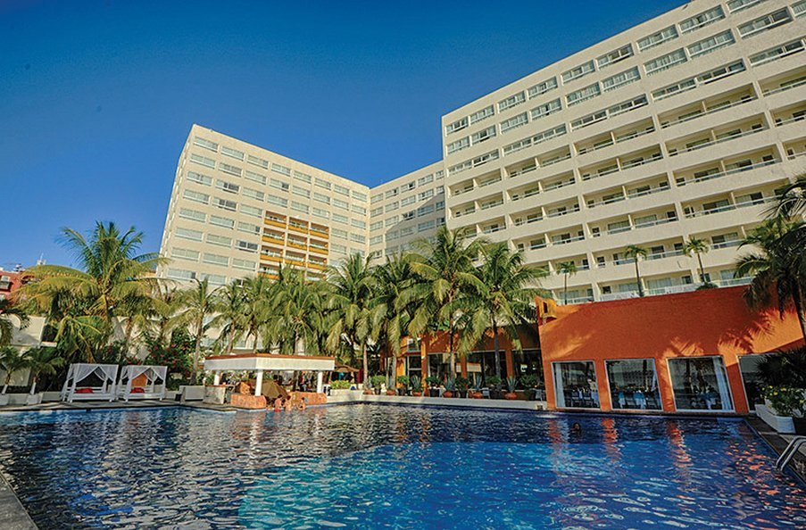 Dreams Sands Cancun - Pool1 <br/>Image from Leonardo