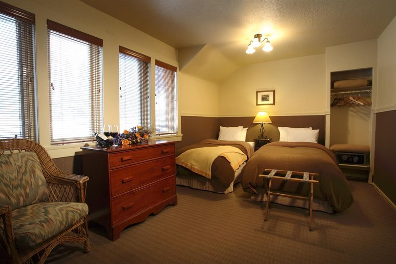 Deer Lodge-Guest Room<br/>Image from Leonardo