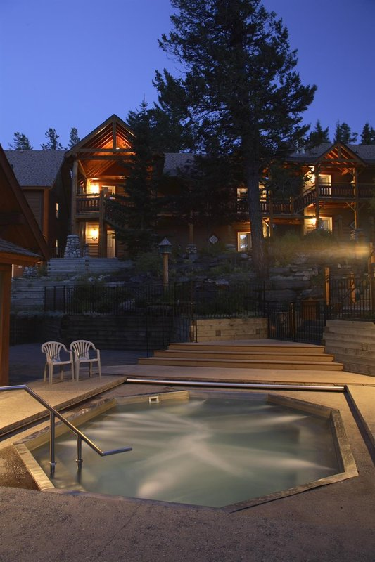 Buffalo Mountain Lodge-Pool<br/>Image from Leonardo