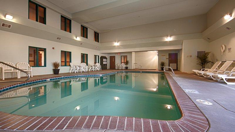 Best Western Desert Inn-Pool<br/>Image from Leonardo