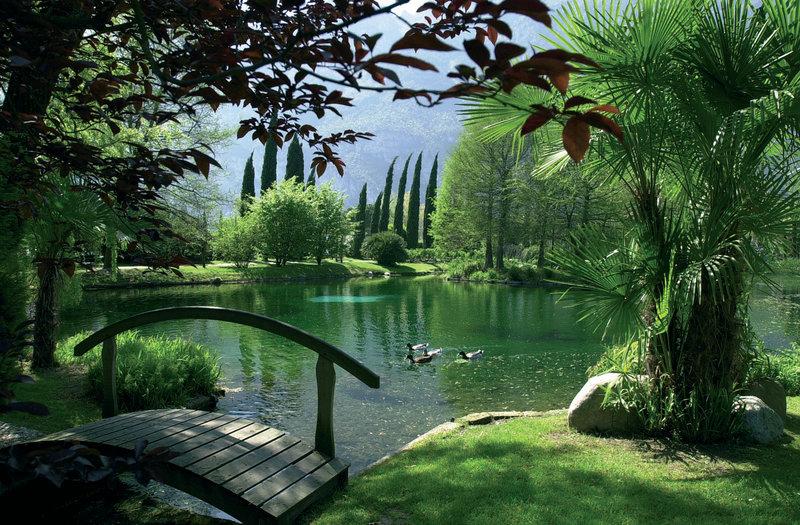 Hotel Du Lac et Du Parc-Lake<br/>Image from Leonardo