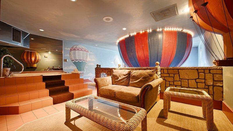 Best Western Fireside Inn-Suite Room<br/>Image from Leonardo
