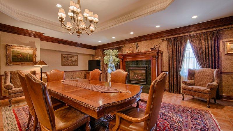 Best Western Fireside Inn-Renaissance Suite <br/>Image from Leonardo