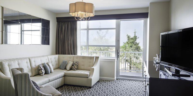 Hilton Baton Rouge Capitol Center-Carolyn Suite Living Room<br/>Image from Leonardo