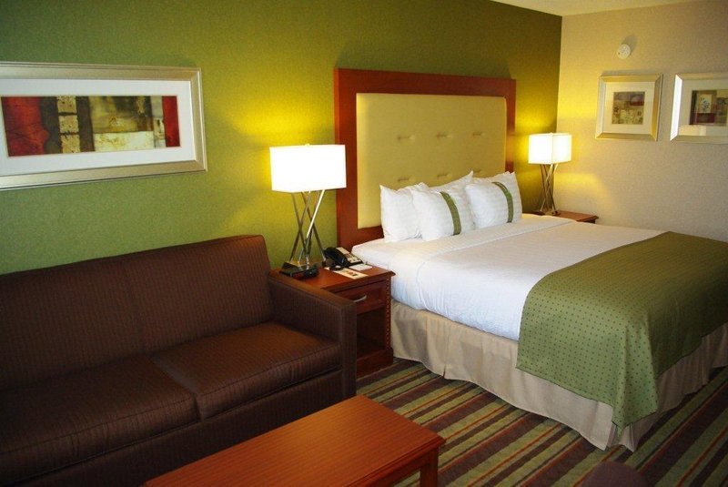 Holiday Inn Buena Park-Near Knott's-Comfortable Guestrooms<br/>Image from Leonardo