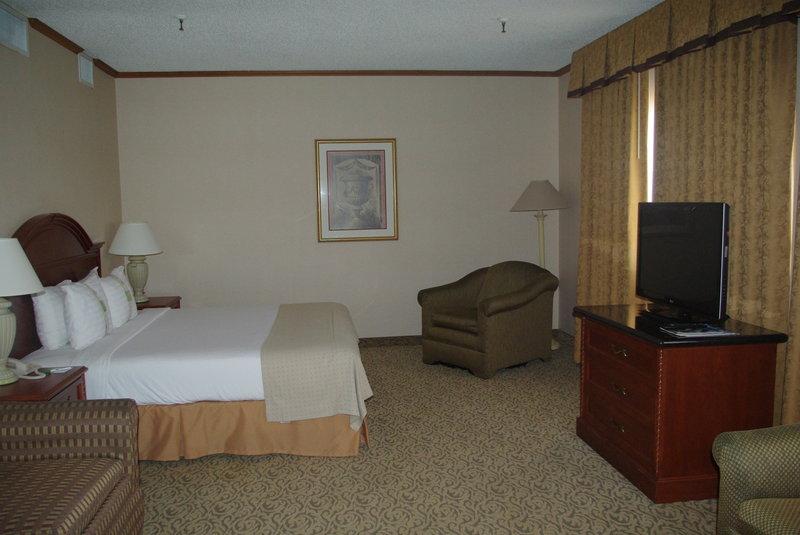 Holiday Inn Buena Park-Near Knott's-Executive Suite<br/>Image from Leonardo