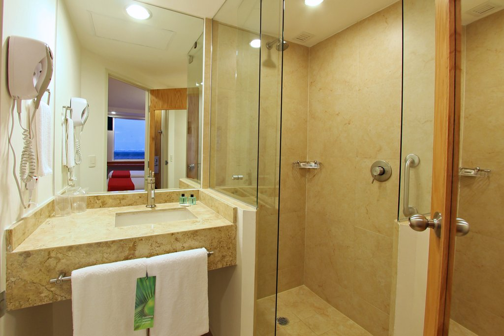 One Cancun - Superior Room, 2 Twin <br/>Image from Leonardo