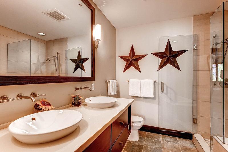 The Westin Snowmass Resort-Hayden Lodge Bathroom<br/>Image from Leonardo