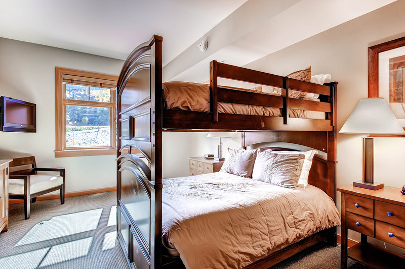The Westin Snowmass Resort-Capitol Peak Lodge Guest Bedroom<br/>Image from Leonardo