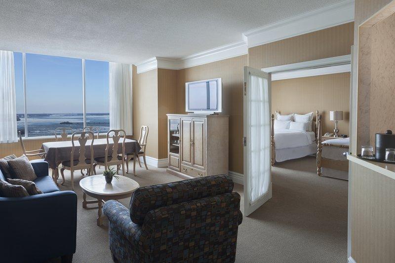 Marriott Niagara Falls on the Falls-Queen Presidential Suite<br/>Image from Leonardo