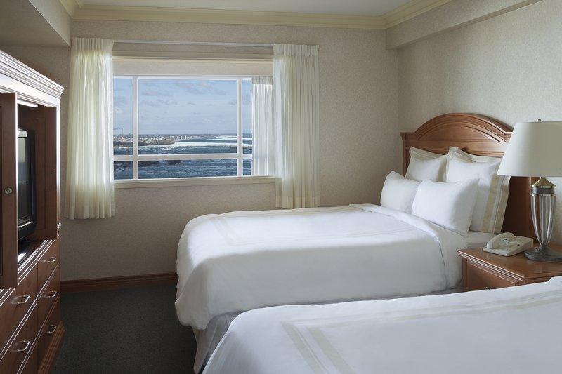Marriott Niagara Falls on the Falls-Junior Fallsview Suite Queen/Queen Bedroom<br/>Image from Leonardo