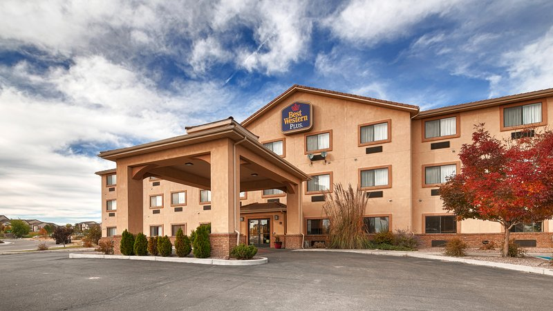 Best Western Plus Eagleridge Inn Suites-Exterior<br/>Image from Leonardo