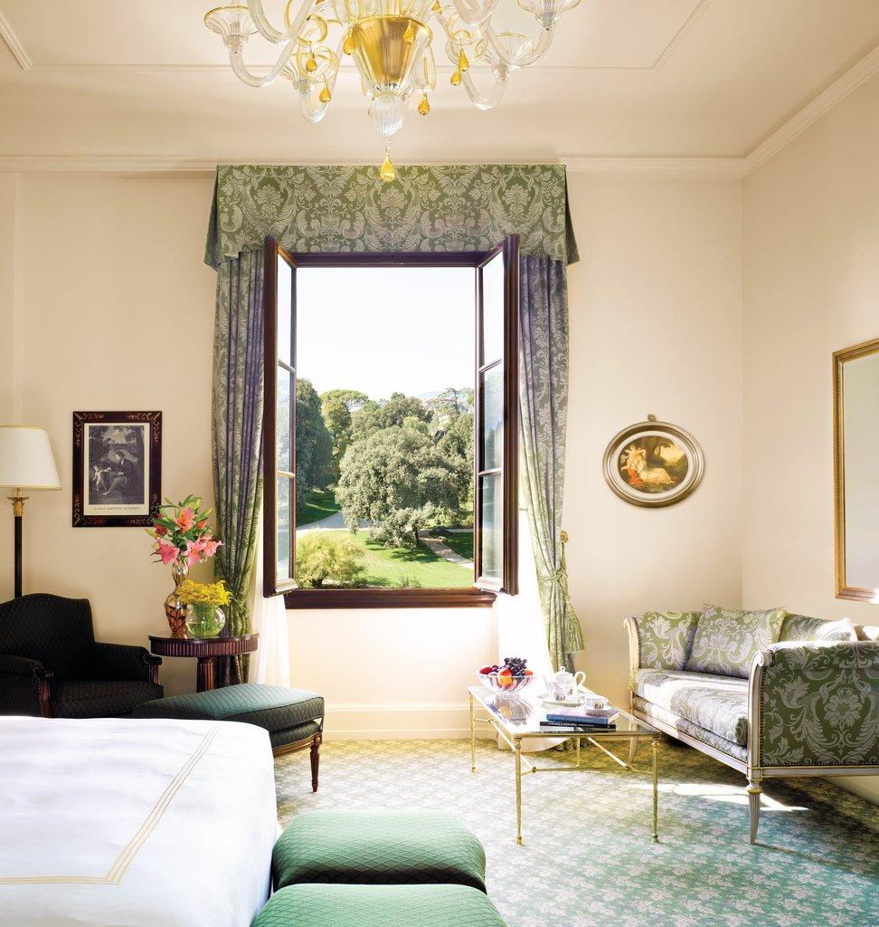 Four Seasons Firenze Hotel-Four Seasons Room<br/>Image from Leonardo