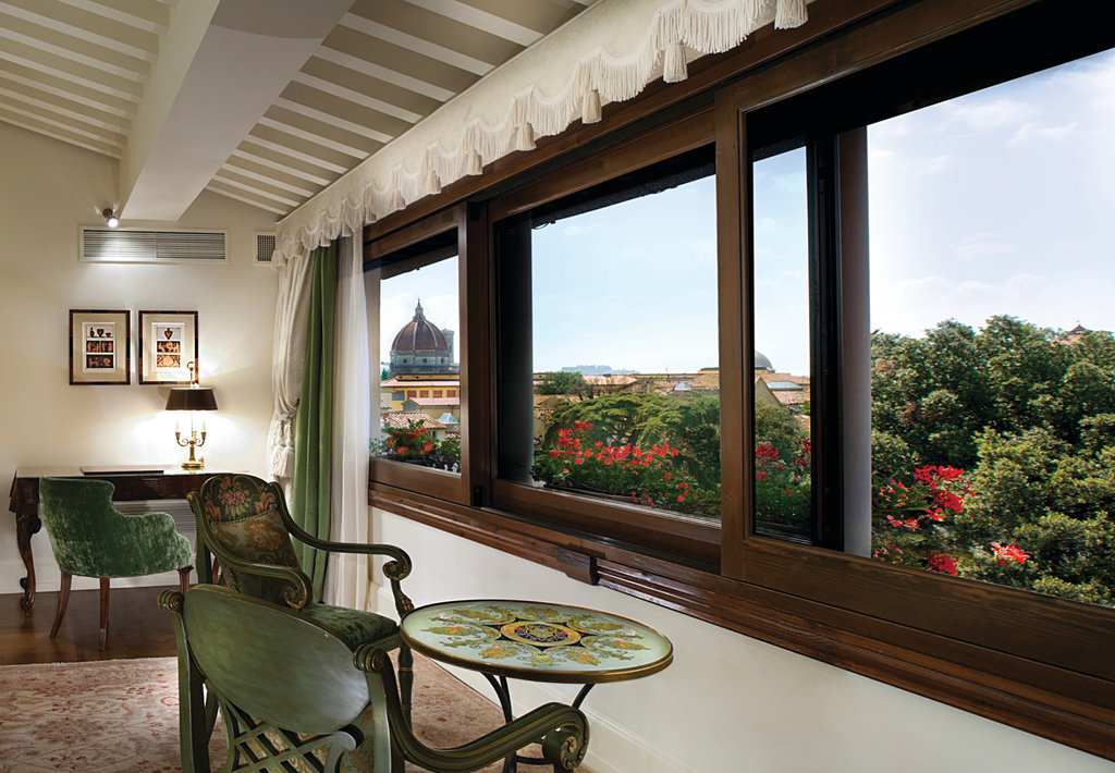 Four Seasons Firenze Hotel-Duomo Duplex upper floor living room<br/>Image from Leonardo