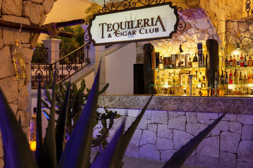Hilton Playa del Carmen  - Tequileria Bar <br/>Image from Leonardo