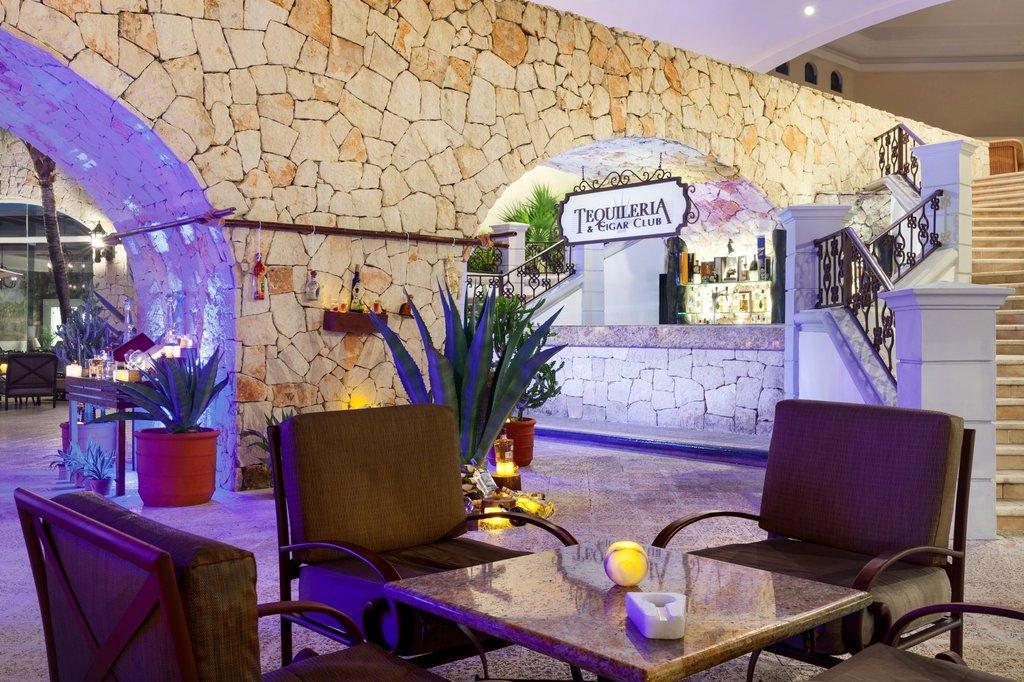Hilton Playa del Carmen  - Tequileria & Cigar Lounge <br/>Image from Leonardo