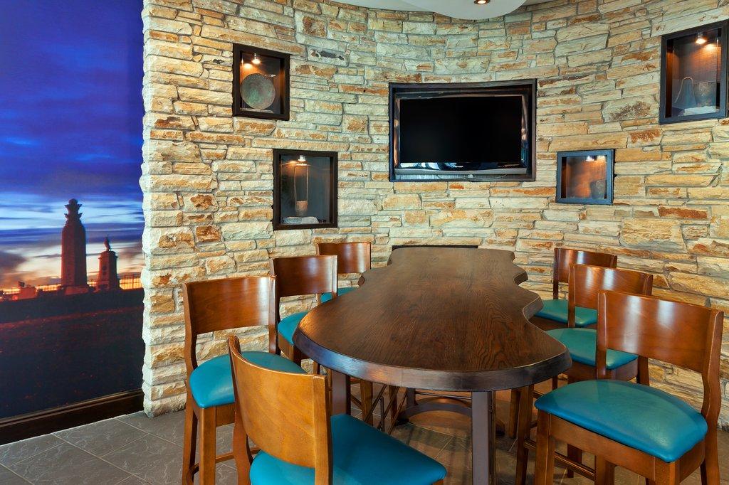 Jurys Inn Plymouth-Bar<br/>Image from Leonardo