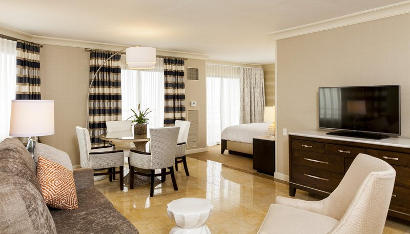 The Waterfront Beach Resort, A Hilton Hotel-Oceanfront Studio Suite<br/>Image from Leonardo
