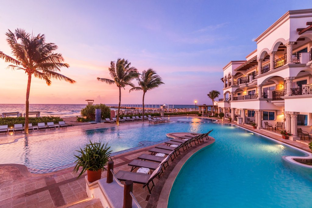 Hilton Playa del Carmen  - The Royal Playa Del Carmen Pool <br/>Image from Leonardo
