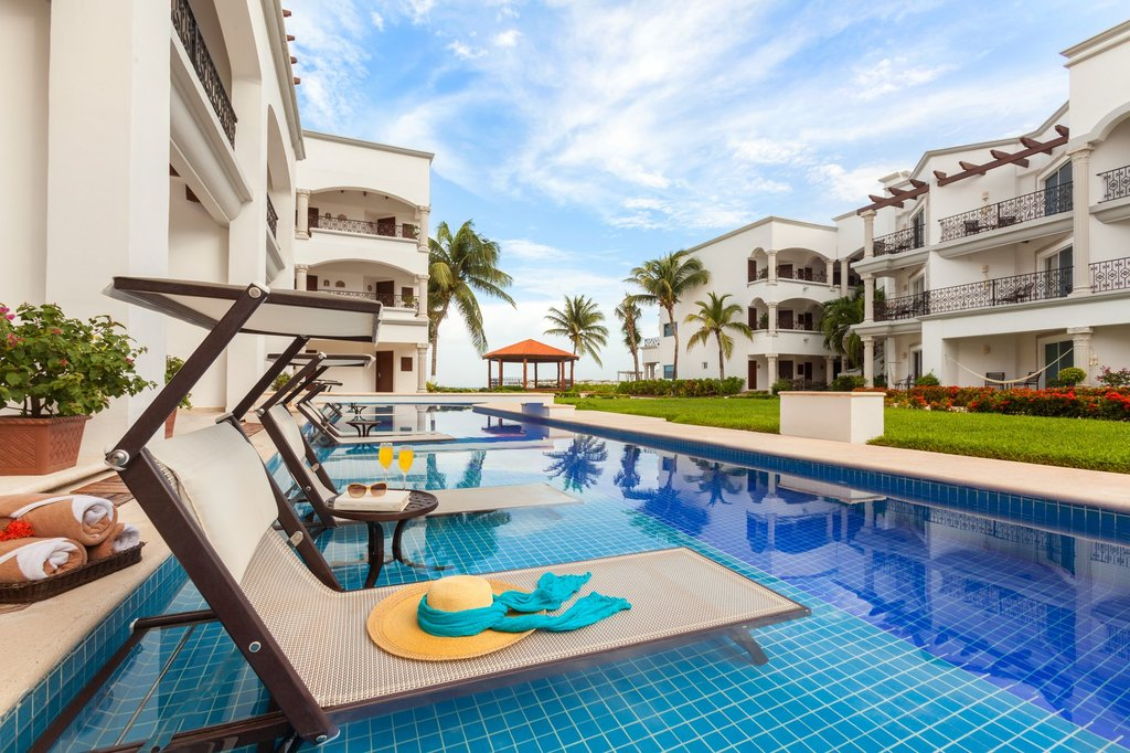 Hilton Playa del Carmen  - The Royal Playa Del Carmen Swim Up Room <br/>Image from Leonardo