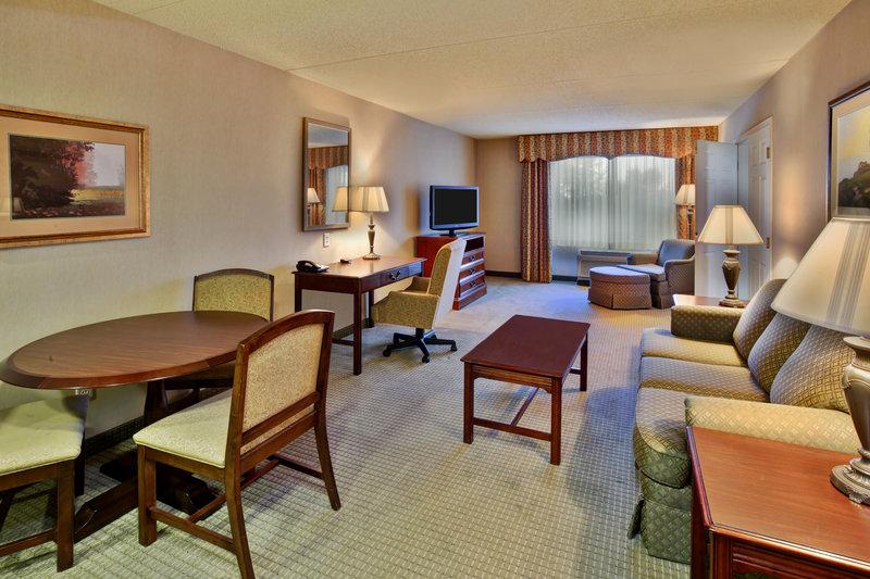 Holiday Inn Ann Arbor Univ Michigan Area-King Leisure Suite Living Room<br/>Image from Leonardo