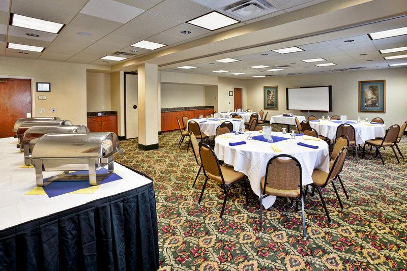 Holiday Inn Ann Arbor Univ Michigan Area-Victors Ballroom Victors Set Up 2<br/>Image from Leonardo