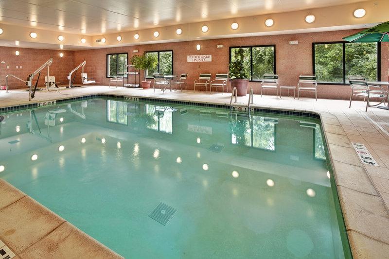 Holiday Inn Ann Arbor Univ Michigan Area-Indoor Pool and Hot Tub<br/>Image from Leonardo