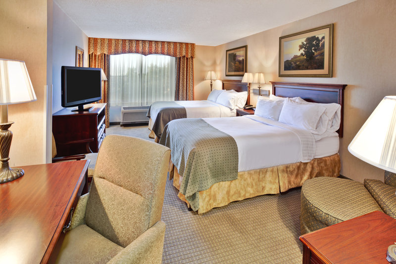 Holiday Inn Ann Arbor Univ Michigan Area-Two Double Bed Guest Room<br/>Image from Leonardo