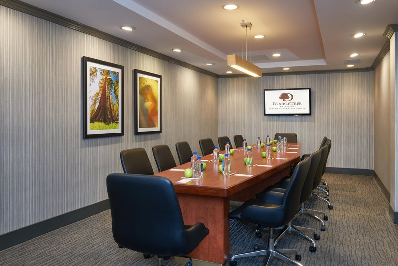 DoubleTree by Hilton Hotel Fresno Convention Center-Boardroom<br/>Image from Leonardo