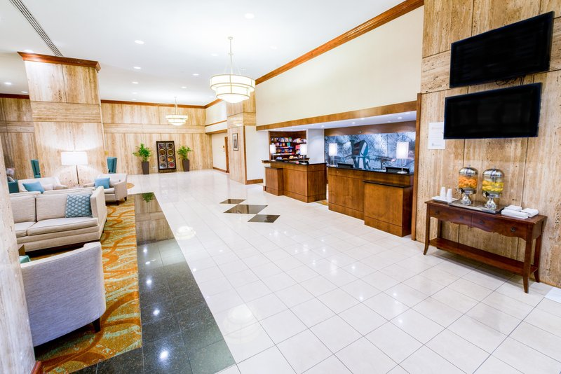 DoubleTree by Hilton Hotel Philadelphia Airport-Front Desk<br/>Image from Leonardo
