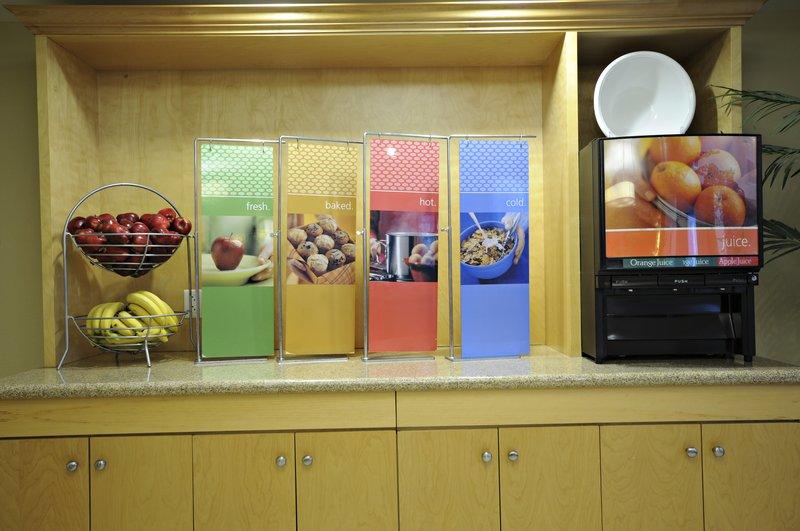 Hampton Inn &amp; Suites by Hilton Saint John-Breakfast<br/>Image from Leonardo