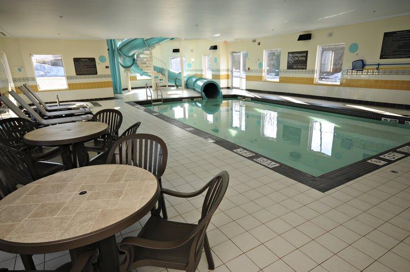 Hampton Inn &amp; Suites by Hilton Saint John-Pool<br/>Image from Leonardo