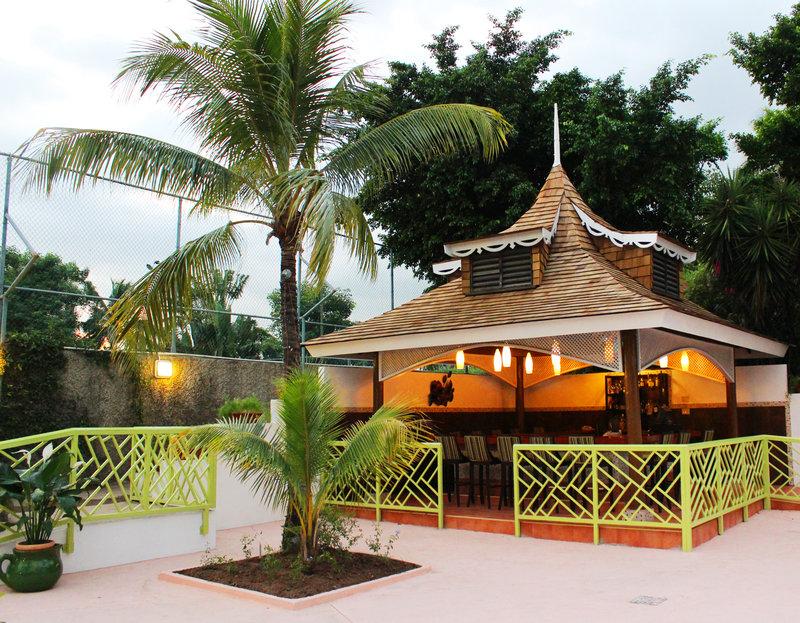 Jamaica Pegasus-Pool Bar<br/>Image from Leonardo