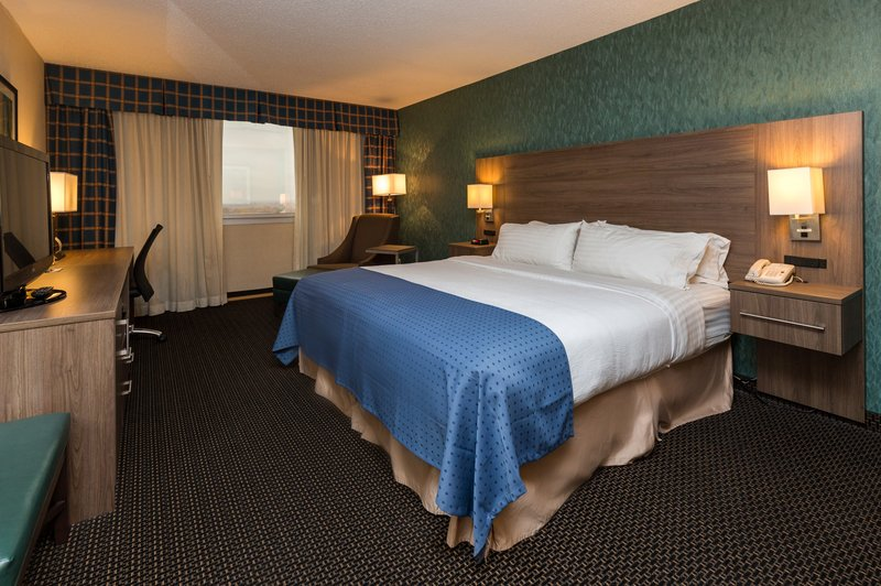 Holiday Inn Des Moines Downtown - Mercy Area-Standard King<br/>Image from Leonardo